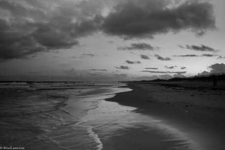 Week 5 of the challenge is Landscape | Black and White. #Dogwood52 #dogwoodweek5 #landscape #blackandwhite #beach #ocean #walkonthebeach #ccwelcome #BrianLantzdotcom